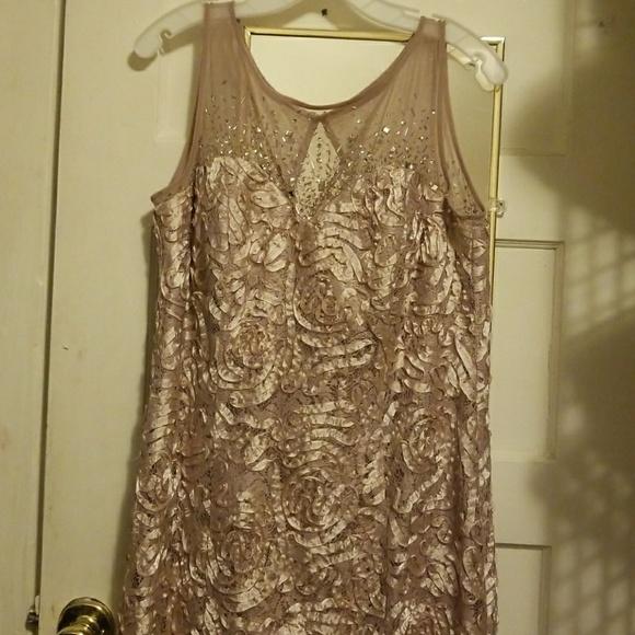 Long plus size mermaid style floral maxi dress